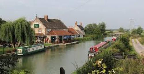 Places ToEat - The Barge Seend.jpg_1544272199