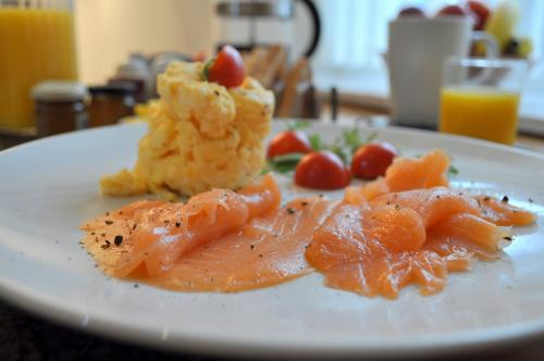 Smoked salmon and scrambled egg