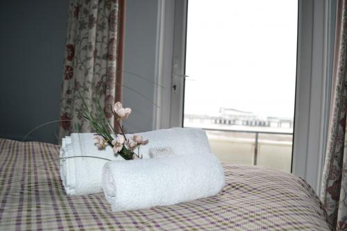 Twin En-suite Room (room Only) Sea View With Balcony