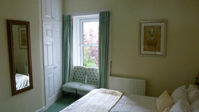 Kingsize Double En-suite Room with Garden View (inc. Breakfast)
