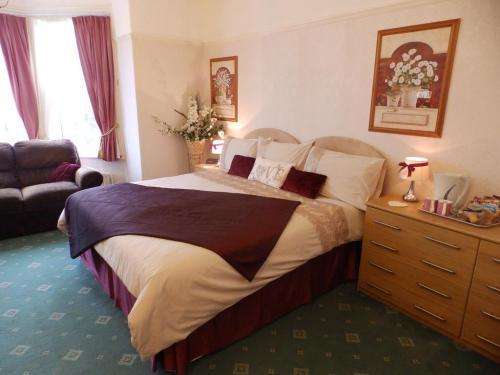 Luxury Double En-suite Room (inc. Breakfast)
