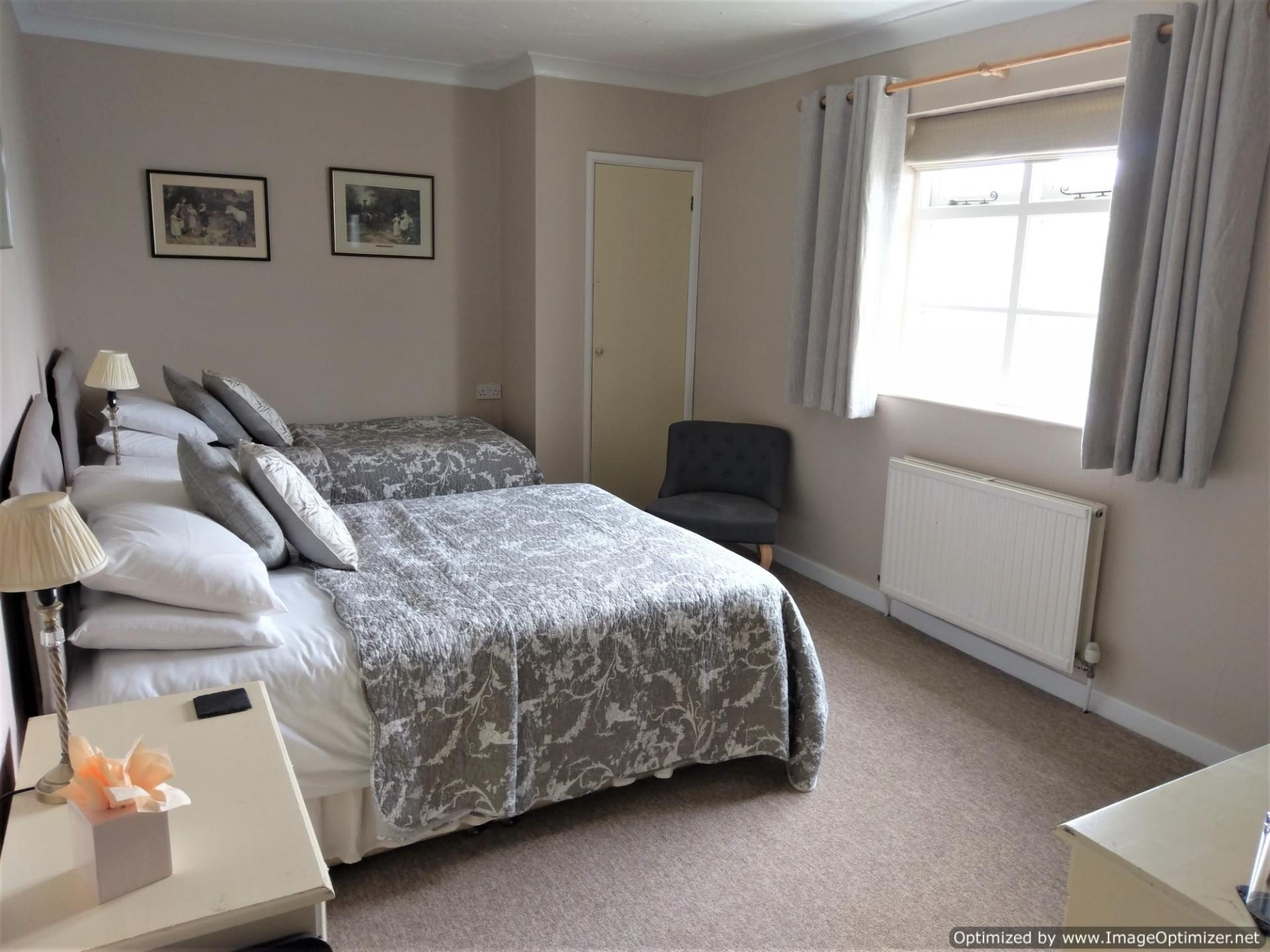 Scenic View Twin with En-suite