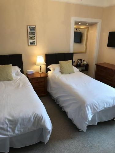 Single En-suite Room (inc. Breakfast) Rm 1