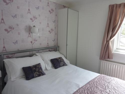 Cosy Double En-suite Room (inc. Breakfast)