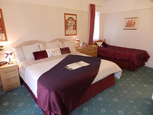 Luxury Twin En-suite Room (inc. Breakfast)