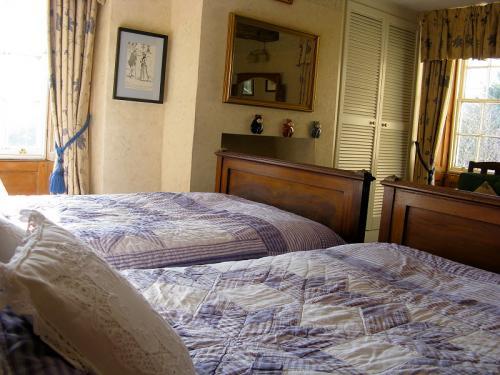 Ross Twin En-Suite Room