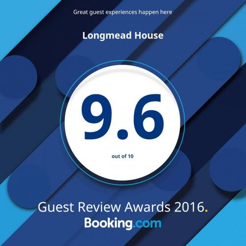 guest review award 2016.jpg