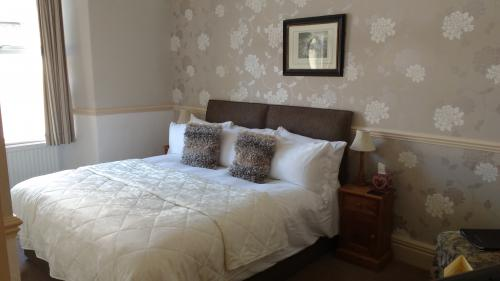 Room 1 - Double En Suite Room (inc Breakfast)