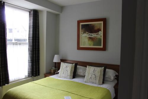 Room 2 - Double En-suite Room (Inc Breakfast)