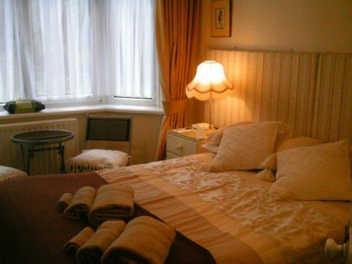 Double En-suite Room - Sleeps 1 - 2 people (inc. Breakfast)