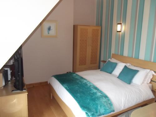 Spa Room 2 - En-suite Room - Single Use - No Breakfast