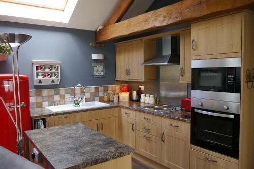 Kitchen3.JPG_1525873542