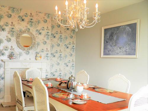 breakfast room at sidmouth bed and breakfast