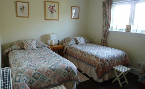 Double bedroom 4 with twin beds facing the Lammermuir Hills