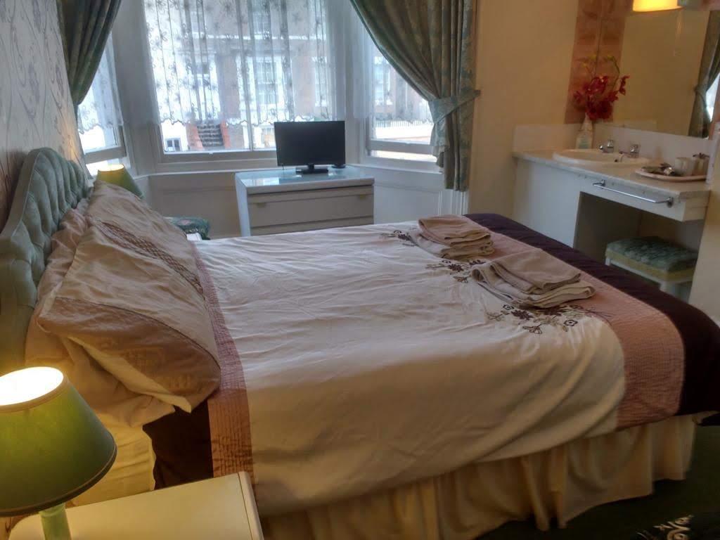 Double En-suite Room 2