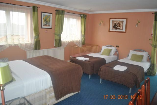 Family En-suite Room 201(inc. Breakfast)