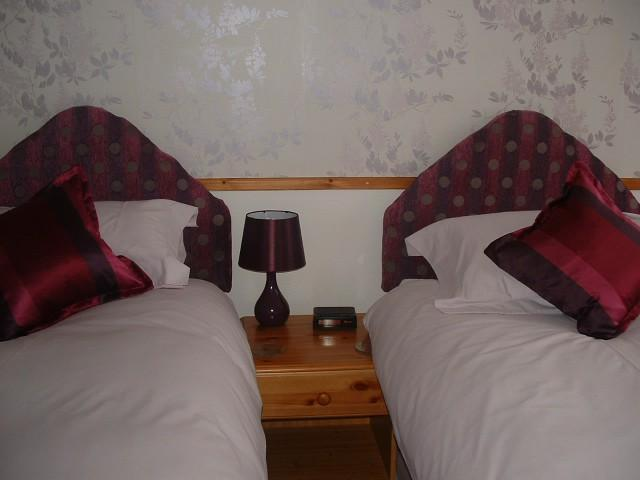 Twin Room en suite *Single use (room Only)