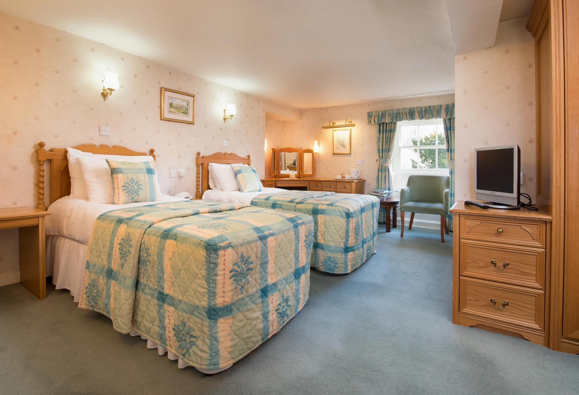 Twin En-suite Room Including Breakfast And Four Course Dinner For Two.