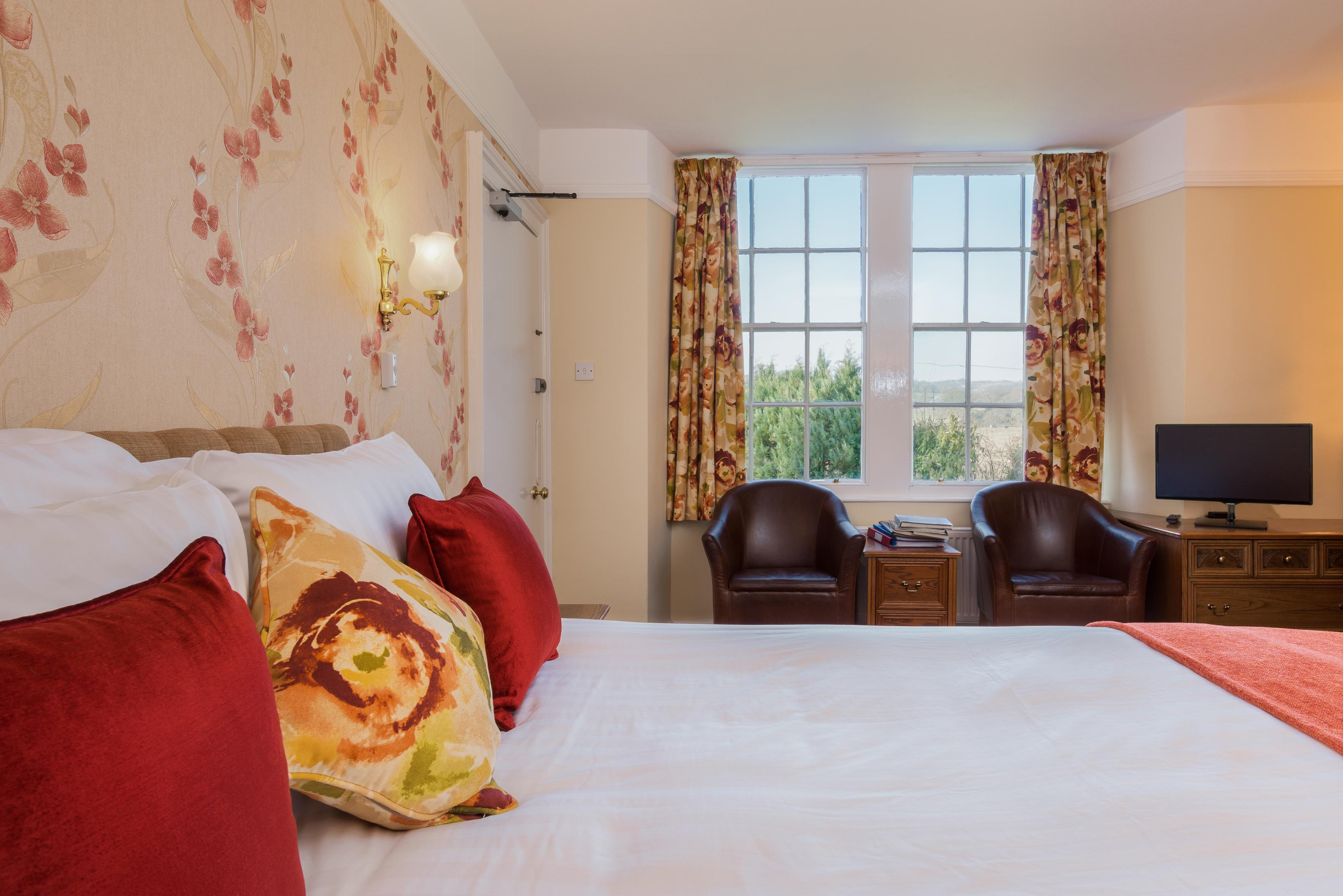 Double En-suite Room including Breakfast and Four Course Dinner for Two