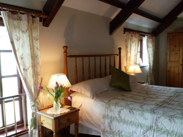Hayloft / Double En-suite Room with king size bed (inc. Breakfast)