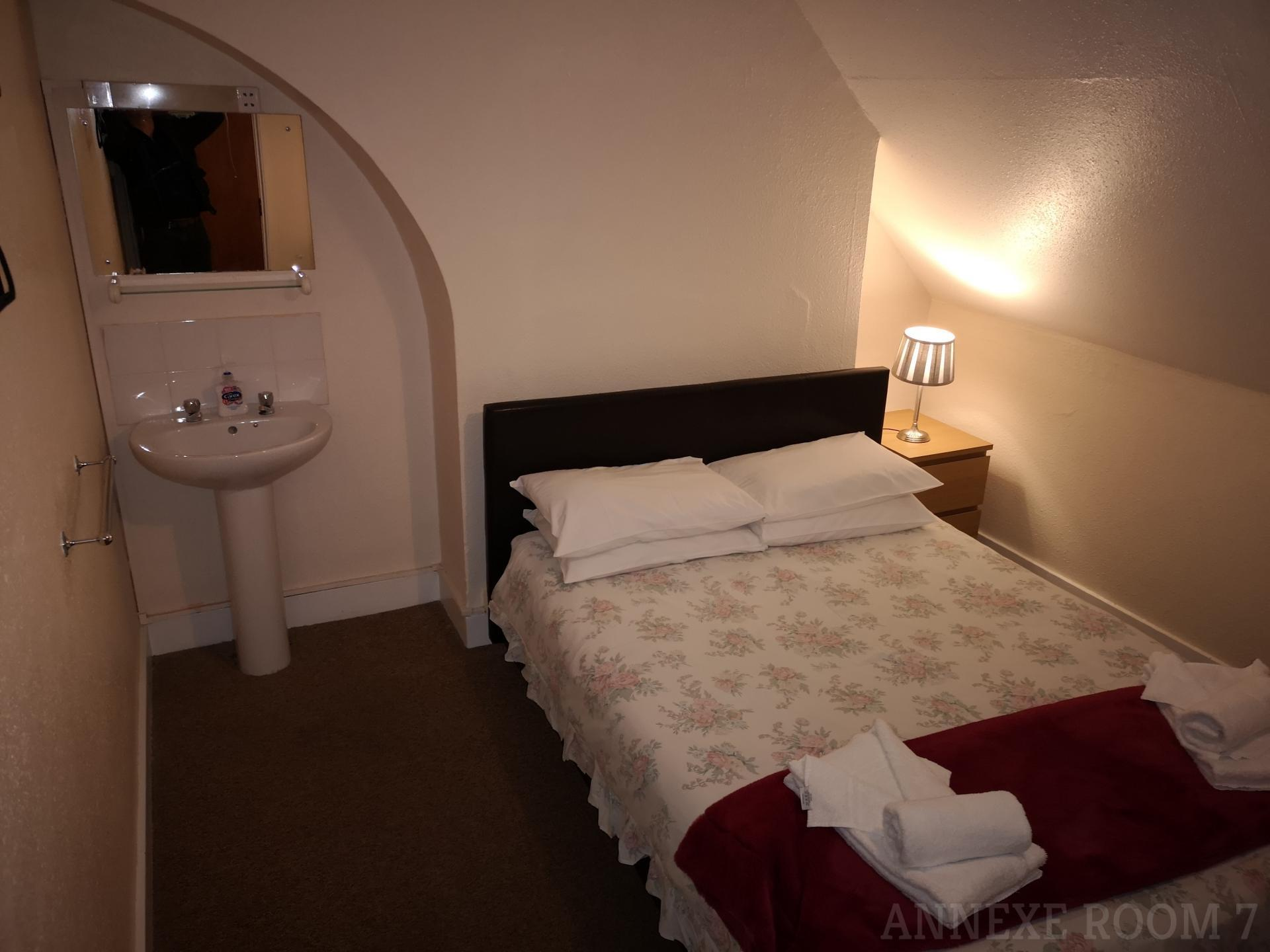 Double Basic Room Annexe (inc. Continental Breakfast)