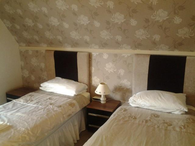 Triple en suite room, room only