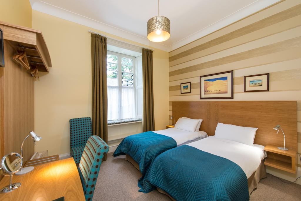 Ground Floor Twin En-suite Room (inc. Breakfast)