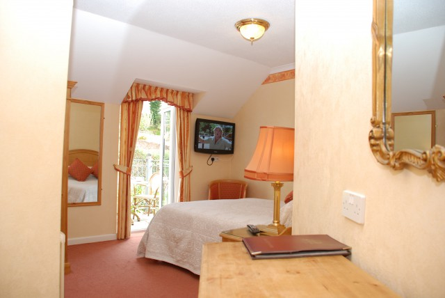 Double(5ft bed) With Balcony En-suite( Inc Breakfast)