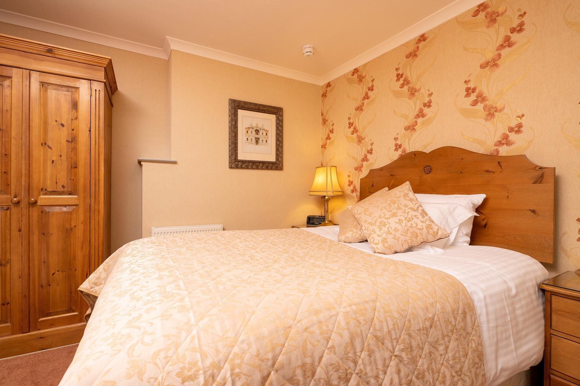 Double for Single Occupancy En-Suite (Inc Breakfast)