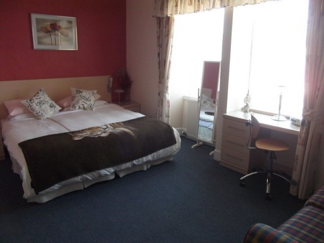 Super Kingsize Double Room (inc. Breakfast)