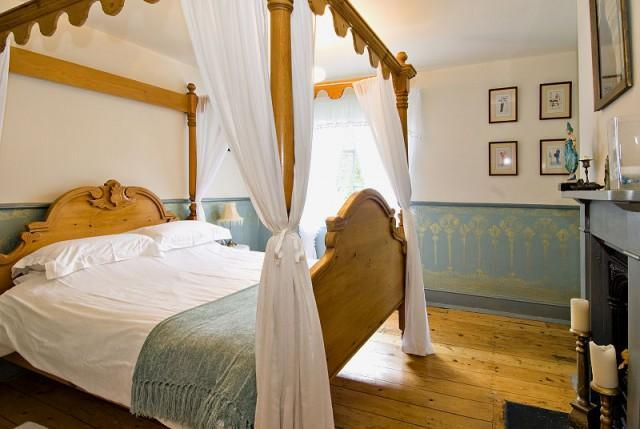 Double bedded suite (inc. Breakfast)