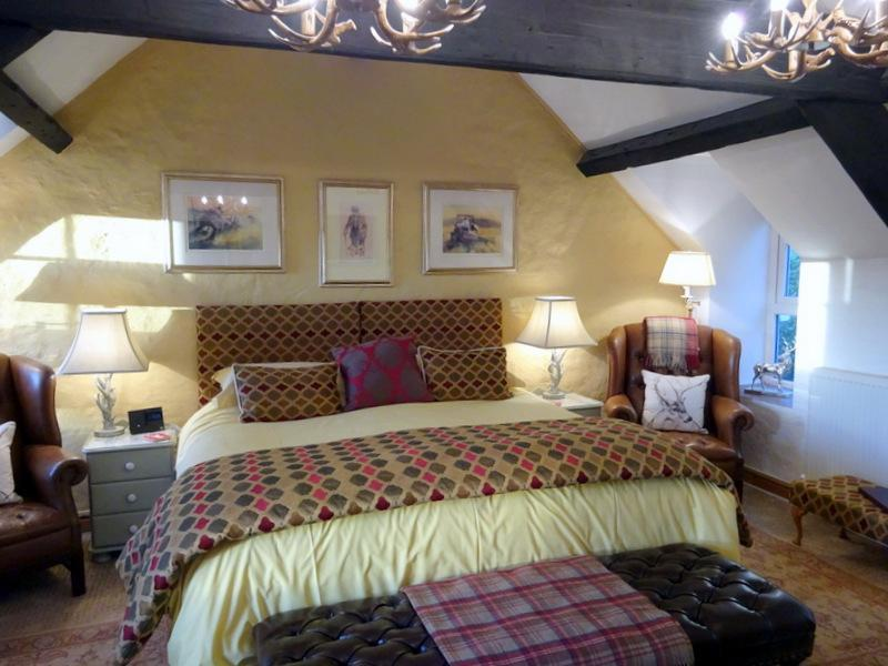 Deluxe Double with Double Aspect Garden ViewEn-suite Room (inc. Breakfast)