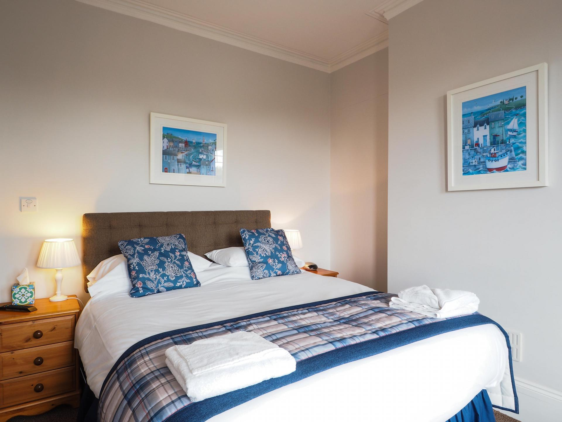 King En-Suite Room with Sea View and Balcony first floor (inc. breakfast)