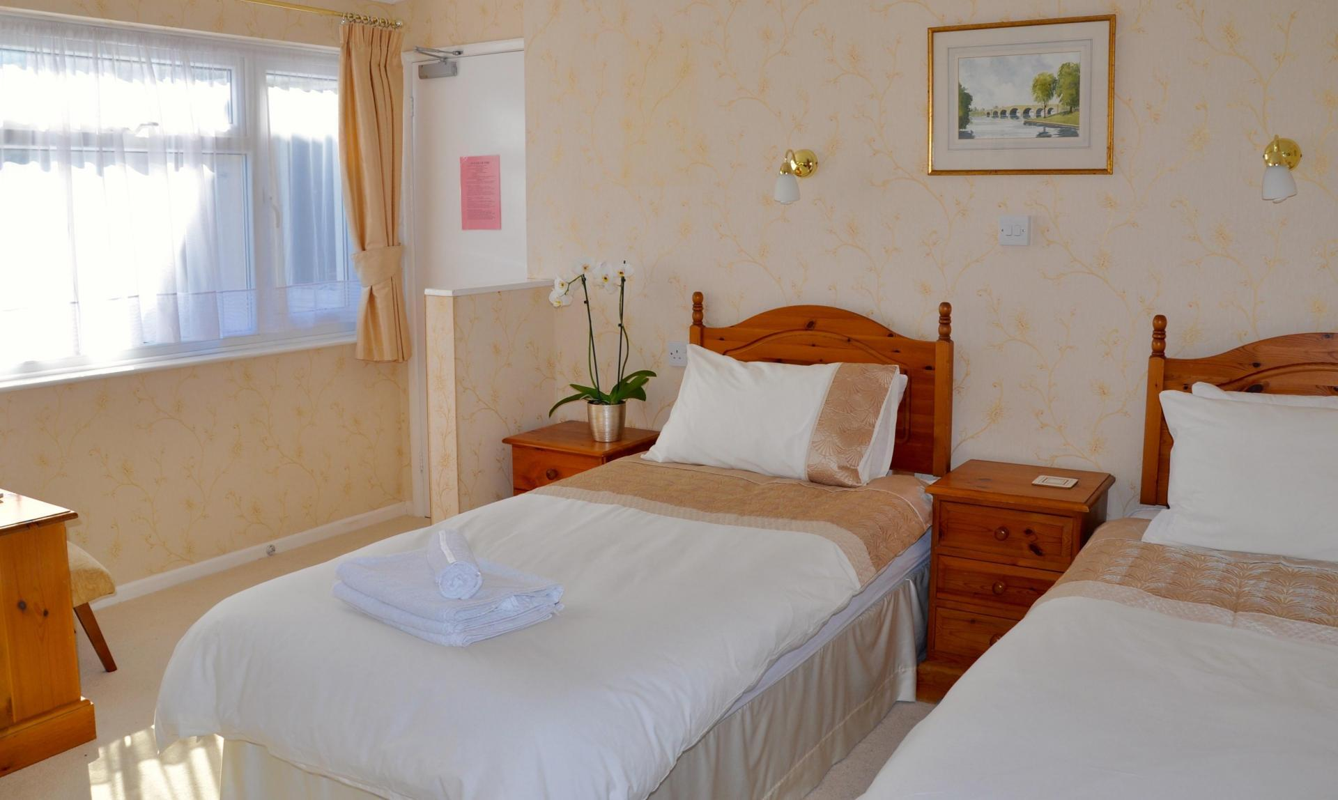Twin/ Double En-suite Room (inc. Breakfast)