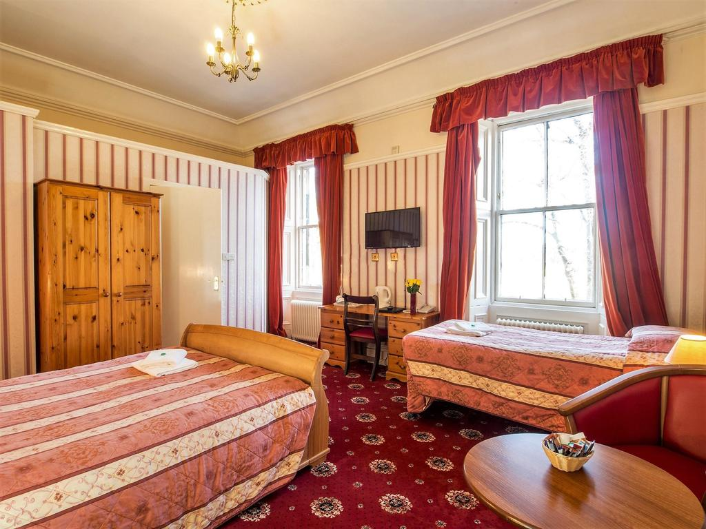 Triple Room En-suite (inc. Breakfast)