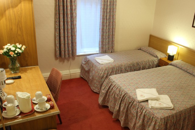 Twin En-suite Room (inc. Breakfast And Evening Meal)