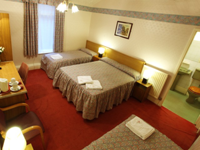 Family En-suite Room (inc. Breakfast )
