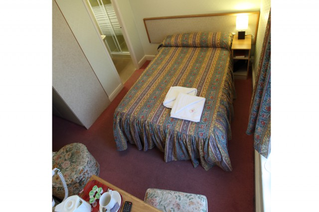 Large Single En-suite Room (inc. Breakfast)