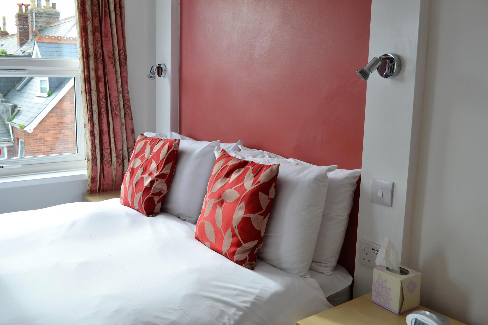 Comfort Double Room En-suite (inc. Breakfast)