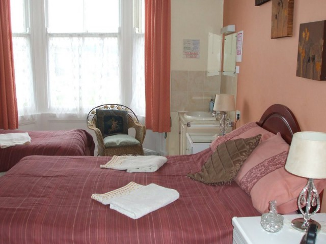 Family En-suite Room 1 (incl breakfast)