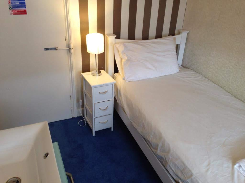 Single Room 9 non-ensuite