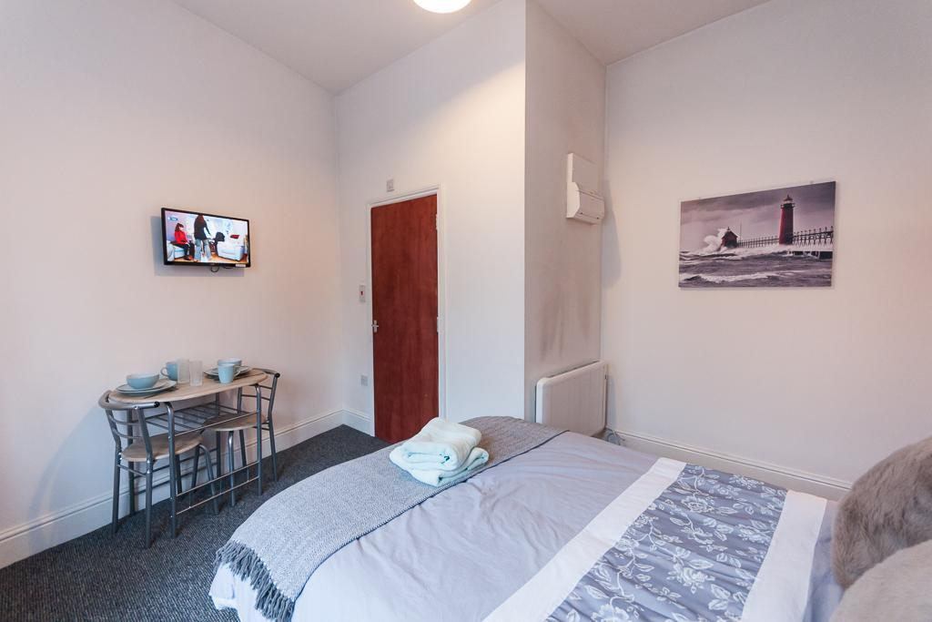Studio 4. Self-contained, Double En-suite