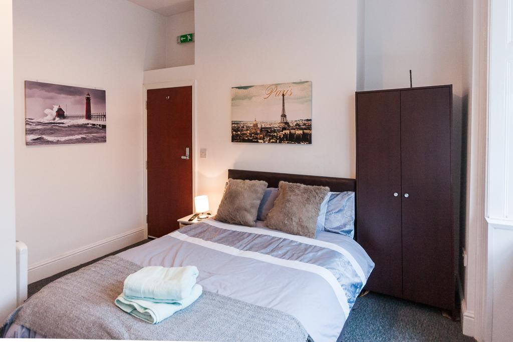 Studio 8. Self-contained, Double En-suite