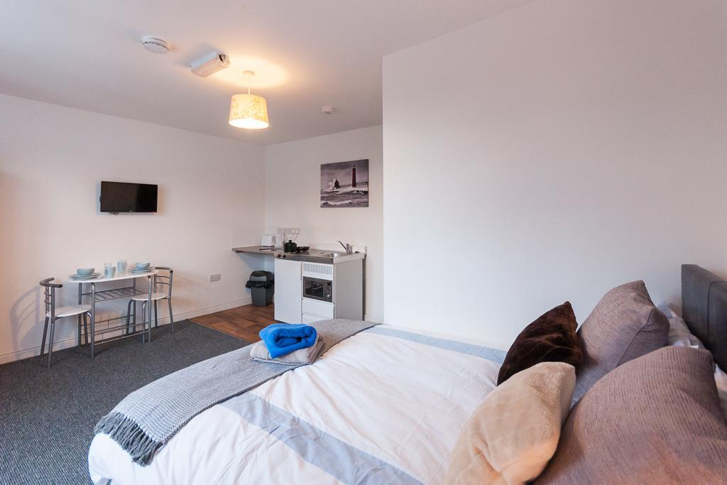 Studio 6. Self-contained, Double En-suite