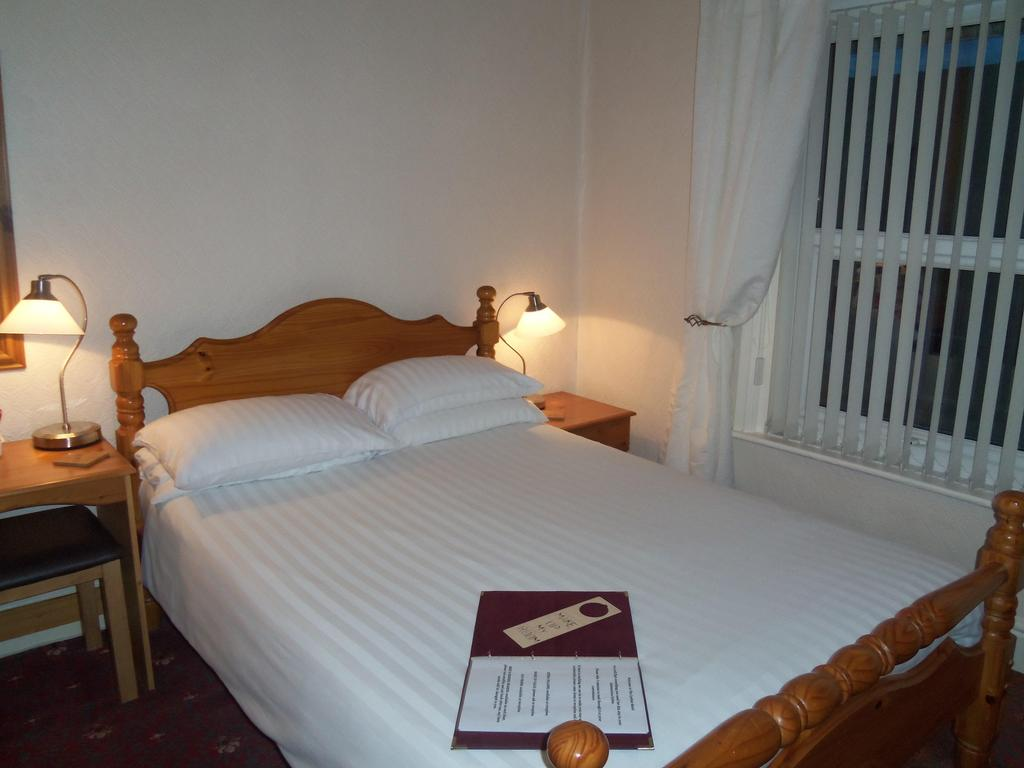 Large Double En-suite Room (room Only)