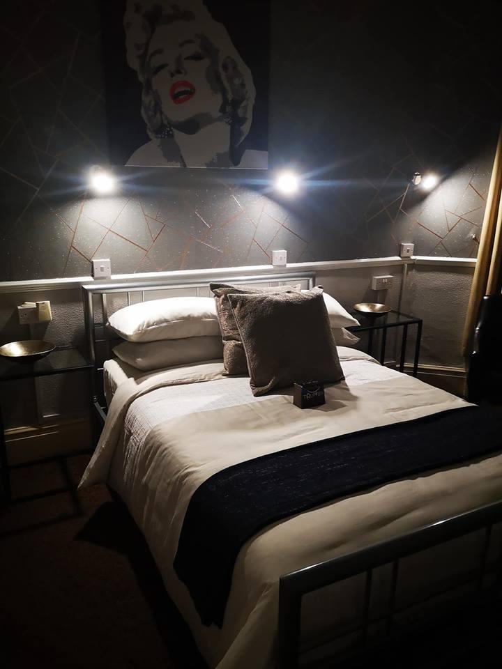 Monroe Room - Deluxe Double Room with breakfast