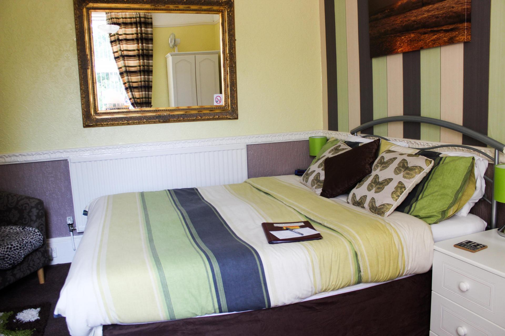 Lrg Double Room With Private Toilet