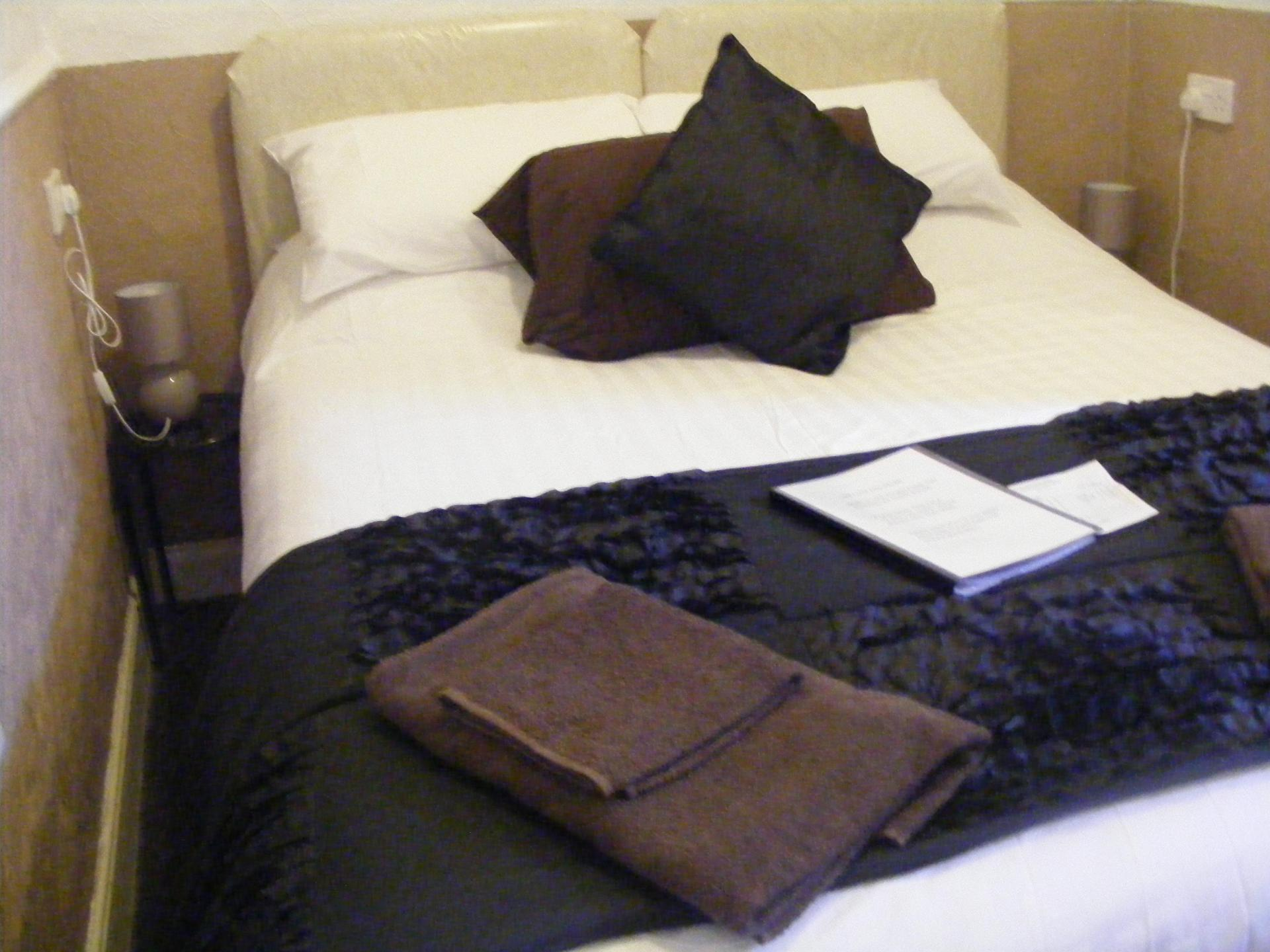 Downstairs Double room with en suite (Room Only) (full payment due when booking and non refundable