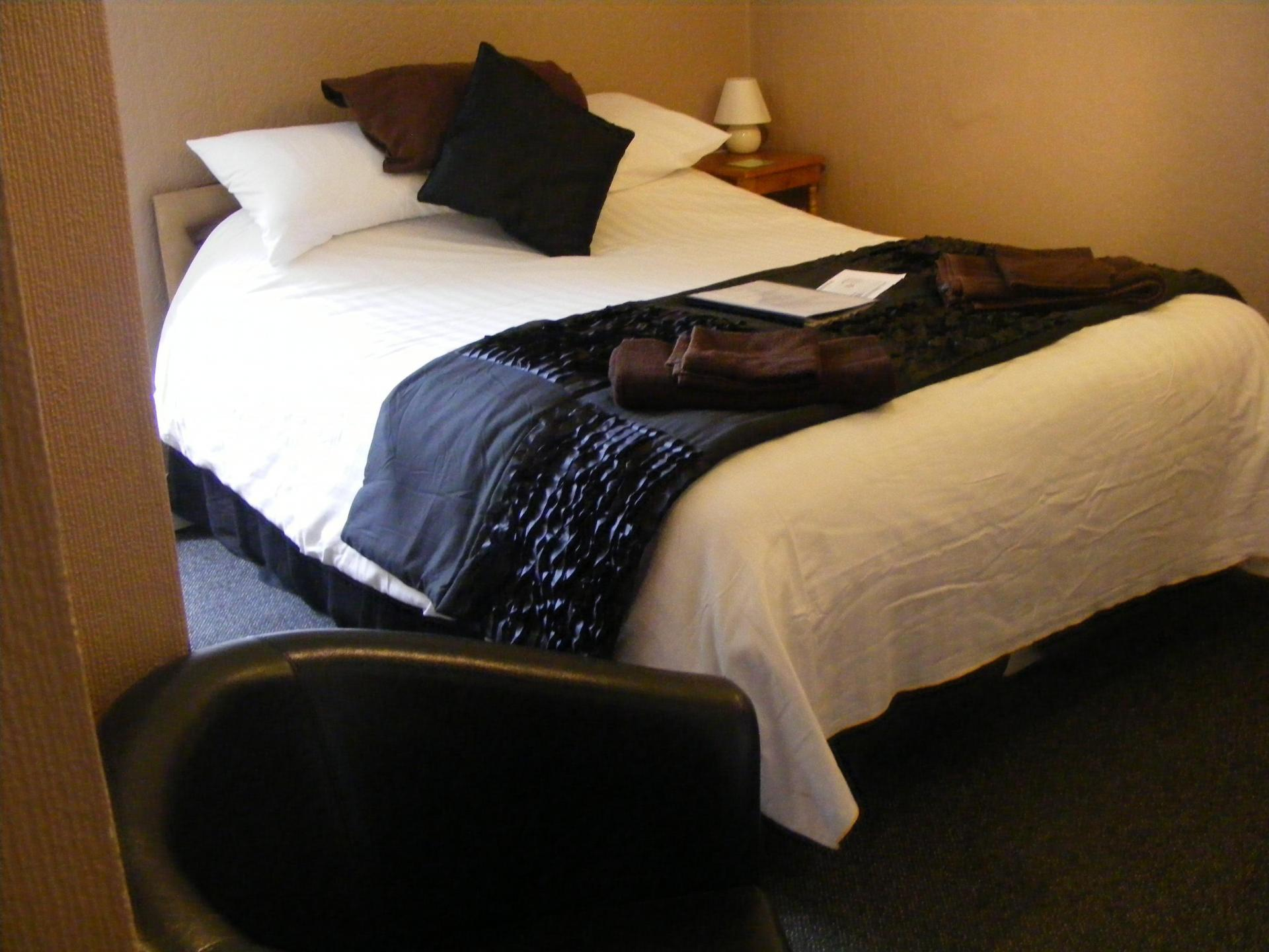 Double room withen-suite(inc. Breakfast)