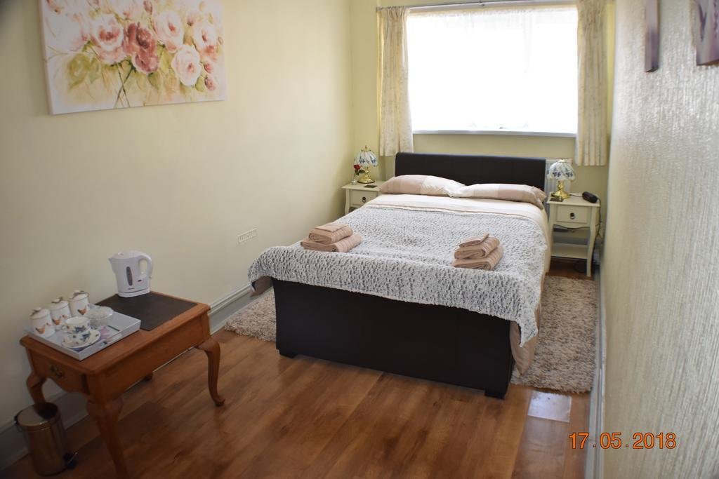 Double Room With Separate Private Bathroom